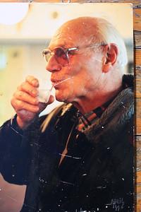 199604 Onderschrift Willem van der Horst in mail 14 april 2013:  Frank van Orden. Inwijding van onze Heren 4 bar. Foto van foto in clubhuis. Ik moet ook nog ergens een negatief hebben. Opmerking: hierop staat april 1996   Collectie Willem van der Horst