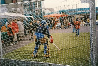 19970514 Achterop: 14-05-97 B Opmerking: werving in Colmschate   Archief DHV Fotograaf: onbekend Formaat: 15 x 11 Afdruk kleur