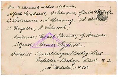 19281015 Achterzijde foto Onderschrift: Krefelder Hockeyclub 1912 Zie verder daar    CollectieBakkerSchutkleinalbum