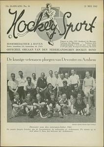 19420517 Onderschrift: zie foto Opmerking: na het winnen van de landelijke veteranenbeker op 17 mei 1945.  De beker zat kennelijk in een doos.  Hockeysport: 11 (1941-1942) nr. 34 21 mei 1942