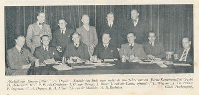 19460913 Onderschrift: zie foto  Opmerking: in ALV van 13 september 1946 in Royal  Zie Clubnieuws oktober 1946 en Notulenboek   Clubnieuws 9 (1946-1947) 2, p.6 Fotograaf: onbekend Formaat; 16 x 6 Afdruk zw