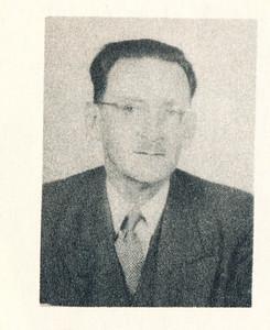 """Onderschrift: """"H.A."""" Clubdichter Opmerking: Herman Ankersmit Bzn. Onduidelijk of foto ook uit 1953 dateert.   Clubnieuws 15 (1953-1954) 2 november,  p. 38"""