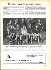 19550430nr2 Onderschrift: geen Opmerking: origineel foto in archief DHV. Zie daar. Er is bewust ruimte gelaten links van Paulus Meijer. Foto ws. bij EHV op 30 april 1955.   Hockeysport 22 (1954-1955) ed. 32 6 mei 1955, p. 635