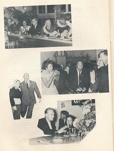 19581004 Onderschrift: op p. 7: Op de ene ziet u enige indrukken van het feest op Zaterdag 4 October: bar-leven in Epse, ex-voorzitter Meijer met een Gorsselse schone, ex-voorzitter Broekhuis in een raadselachtige bezigheid met toekijkende niet minder schone (Nijmegen?).  Opmerking: in De Pessink in Epse.   Clubnieuws 20 (1958-1959) 2 p. 12 Fotograaf: Johan van Dijk Formaat; 20 x 14 Afdruk zw