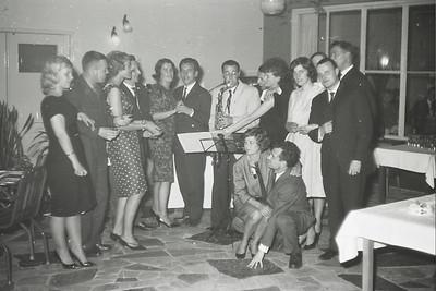19630428  Onderschrift: Feest Heren III in de Witte Berken (circa 1962)  Opmerking: ws. op 28 april 1963 Zie artikel Clubnieuws   Archief DHV  Fotograaf: ws. Johan van Dijk   Negatief 35 mm