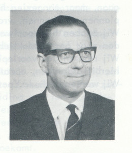 196510 Onderschrift: geen. Bij artikel over den ieuwe voorzitter Ypes.  Opmerking: Ypes.    Clubnieuws 27 (1965-1966) 1, p. 1   Fotograaf: onbekend  Formaat: 5 x 4   Afdruk zw