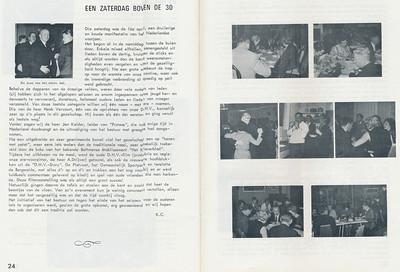 19660416 Onderschrift: zie foto Opmerking: feestje voor senioren boven de 30. Eerst toernhooi mixed, borrle toen hanen met patat. Toen film van Drijver vertoond met ook een vervolg hierop. En toen dansen.   Clubnieuws 27 (1965-1966) 4, p.24 en 25    Fotograaf: onbekend  Formaat: nvt   Afdruk zw