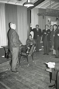 19661214nr04 Lichtinstallatie in gebruik    Deze foto gedeeltelijk in Clubnieuws 28 (1966-1967) 1 (januari) p. 18.   Archief DHV  Fotograaf: Johan van Dijk  Negatief