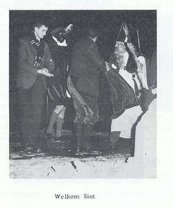 19671209 Onderschrift: zie foto  Opmerking: Kie van Groningen chauffeur   Clubnieuws 29 (1968) 1, p. 18 Fotograaf: onbekend Formaat: 7 x 6 Afdruk zw