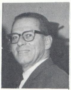 196802 Onderschrift: geen Opmerking: portret Dick Ypes zoals vaak afdgedruk in Clubnieuws bij stukje Van de voorzitter. Ook  Clubnieuws 27 (1966-1967) 5 (augustus) p. 4  Clubnieuws 29 (1968) 1, p. 5 Fotograaf: onbekend Formaat: 2 x 2 Afdruk zw