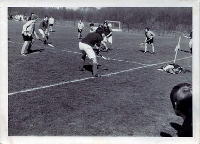 19720409 Waarschijnlijk beslissingswedstrijd tegen DKS bij Zwolle op 9 april 1972  CollectieEdvanOrden Fotograaf: onbekend Formaat: 7.5 x 10.5 Afdruk zw