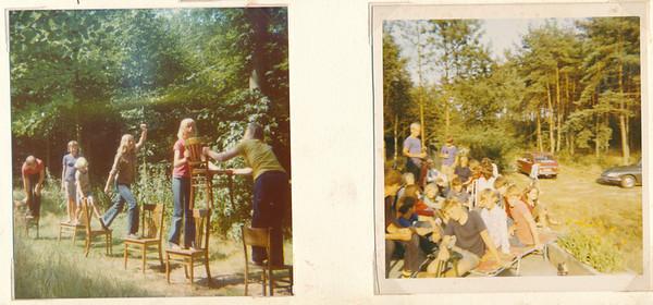 19750802 Onderschrift: 2 t/m 9 augustus 1975 hockey-kamp te Vilsteren van D.H.V. zeskamp   Collectie Ed van Orden Fotograaf: onbekend Formaat: iedere foto 9 x 9 Afdruk kleur