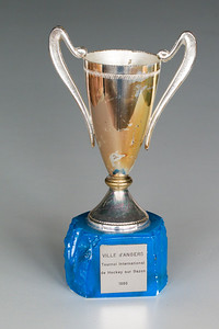 Beker gewonnen in Angers in 1980  Voorwerpen aanwezig Clubhuis 7 maart 2013  Fotograaf: Lucrees van Groningen