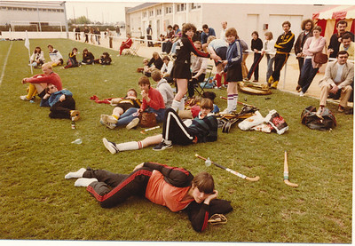19800406nr7  Onderschrift: hockeytoernooi pasen 1980 Angers (Frankrijk)  Opmerking: Pasen was 6 en 7 april 1980   Collectie Suasso  Fotograaf: Edmee Suasso  Formaat: 15 x 10  Afdruk kleur