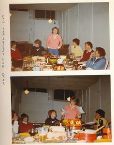 198305 Onderschrift: afscheidsavond Daems I mei '83 einde seizoen '82/'83. Een toespraak van Door  Opmerking jwblom: wie is Door?   Collectie Suasso  Fotograaf: onbekend Formaat: iedere foto 15 x 10 Afdruk kleur