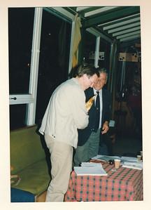 19860912nr05  ALV 12 september 1986  Onderschrift: Paul Nieuwenhuis secretaris   Collectie Van Noortwijk  Fotograaf: ?  Formaat: 15 x 10  Afdruk kleur