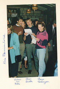 19860912nr22 ALV 12 september 1986  Onderschrift: Kinie rouwenhorst, Victor van Balen, Chris Scholten, Irene Terlingen   Collectie Van Noortwijk  Fotograaf: ?  Formaat: 15 x 10  Afdruk kleur