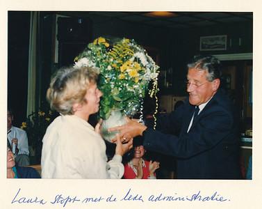 19860912nr04 ALV 12 september 1986  Opmerking: vlnr: Laura Kanters, Arie van Noortwijk   Collectie Van Noortwijk  Fotograaf: ?  Formaat: 15 x 10  Afdruk kleur