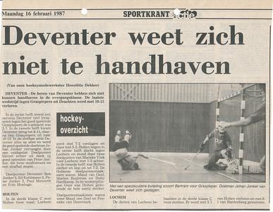 19870215 Onderschrift: Deventer weet zich te handhaven. Opmerking:  foto met Johan Jonker  Archief DHV Deventer Dagblad 16 februari 1987