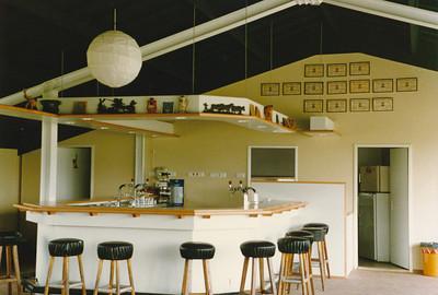 198808 Achterop aug. 1988 Opmerking: de nieuwe bar is klaar   CollectiePollmann Fotograaf: Maarten Pollmann  Formaat: 15 x 10  Afdruk kleur