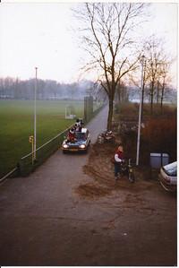 19881203  Onderschrift: geen  Opmerking: Strooi-goedtoernooi 3 december 1988  Aankomst Sinterklaas   Collectie Jeroen Kok  Fotograaf: Jeroen Kok  Formaat 15 x 10  Afdruk kleur