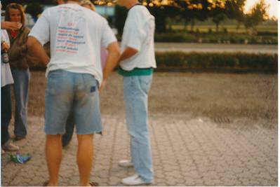1988 ??  Bij afscheid rob Hekkers. Gescand vawege T-shirt   Collectie Jeroen Kok Fotgraaf: Jeroen Kok  Formaat: 13 x 9 Afdruk kleur