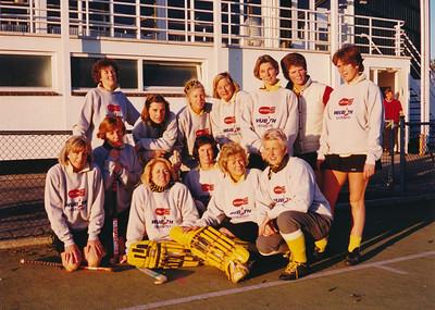 198911 Achterop: Dames Veteranen nov. 89  Foto'sHelmiPollmann Fotograaf: onbekend Formaat; 18 x 13 Afdruk kleur