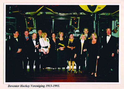 foto gescand door Gea Zieverink voor Telescoop december 2011 ZAie verder bij foto gescand door JWB