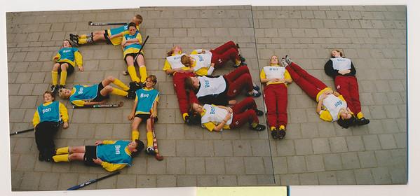 20011103nr2 Foto voor prijsvraag Ben. Zie andere foto. De letters BEN.  Collectie MGV Fotograaf: ? Formaat: 22 x 10  Afdruk kleur