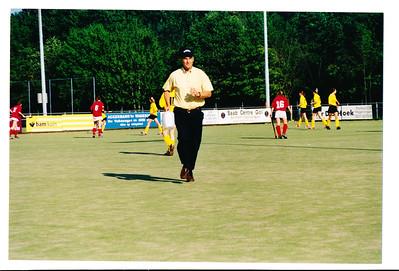 20030510  Achterop: 02/03 MA1-W'ningen A 1 coach Bill vGC' Opmerking: wedstrijd M A 1 Wageningen A 1 uit 10 mei 2003 M A1 won met 1-0    Collectie MGV Fotograaf: MGV Formaat: 15 x 10 Afdruk kleur