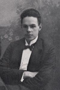 H.J. van Driel, de eerste voorzitter van DHV in 1913 Uitsnede. Zie verder bij totale foto.