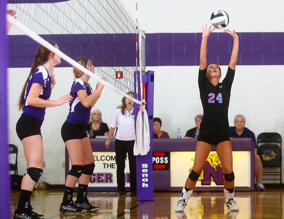 9-12-13<br /> Northwestern vs Maconaquah volleyball<br /> <br /> KT photo   Kelly Lafferty