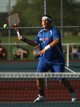 9-11-12<br /> Kokomo HS tennis<br /> Brandon Newton played 1 doubles for Kokomo High School during the tennis game against Lafayette on Tuesday afternoon.<br /> KT photo | Kelly Lafferty