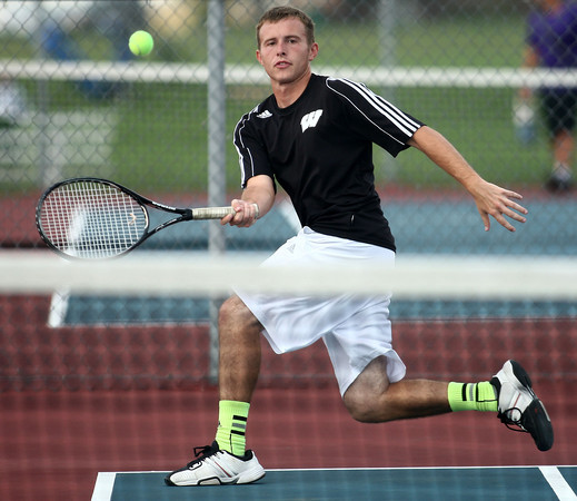 9-27-12<br /> Tennis<br /> Tyler Lucas plays 2 singles for Western during the tennis match against Tipton on Thursday.<br /> KT photo | Kelly Lafferty