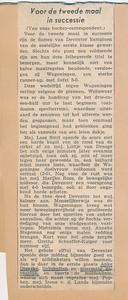 19580323 Artikel uit Deventer Dagblad vanvws. 24 maart 1958.  5-0 overwinning op Wagenigen waardoor Dames 1 kampioen. Hoort bij foto.   Collectie Dienske