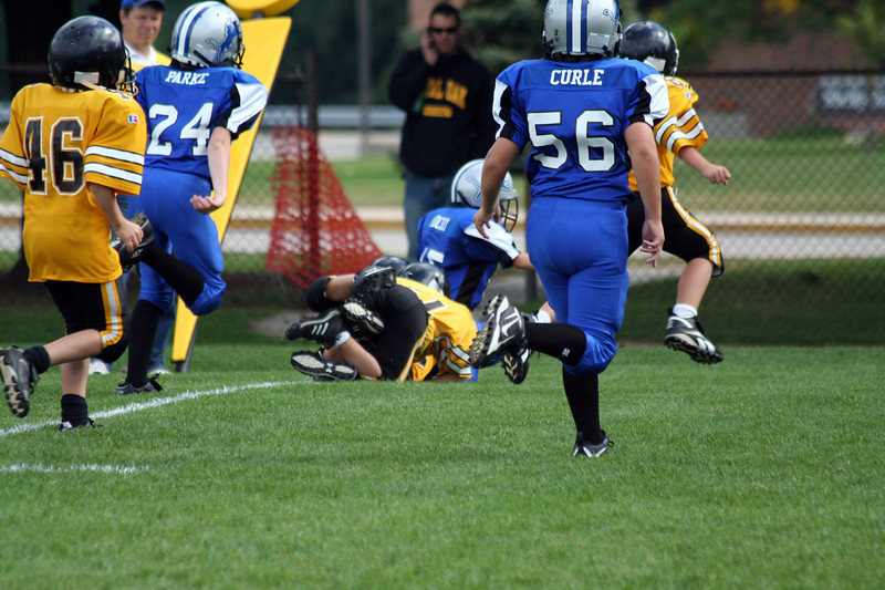Game #6 - September 29, 2007: The 2007 Shelby Lions Football Club Freshman Team vs. the Clawson Mavericks at Shelby Lions Home Field (Shelby 32, Clawson 0).