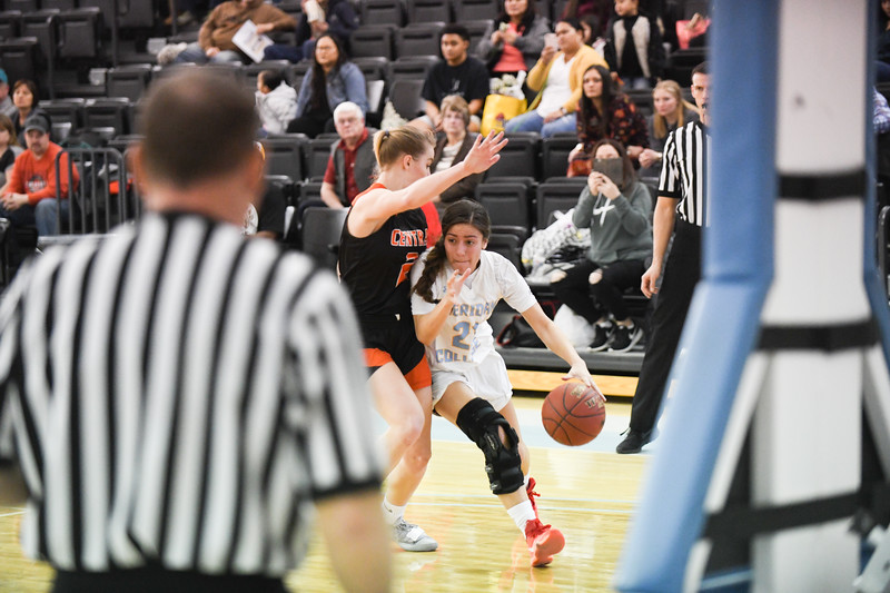 Matthew Gaston   The Sheridan Press<br>Sheridan College's Aloma Solovi (21) drives towards the paint against Central Wyoming College Saturday, Feb. 16, 2019.