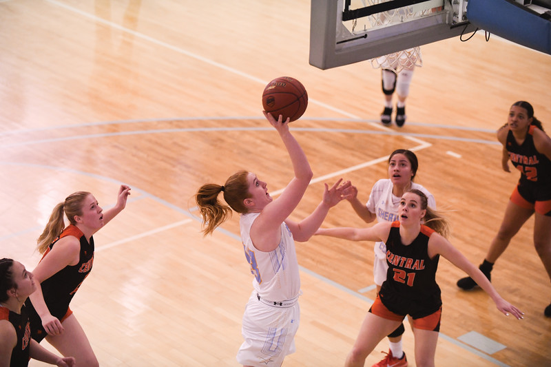 Matthew Gaston   The Sheridan Press<br>Sheridan College's Kassie Hoyer (33) flies by the defense to score two against Central Wyoming College Saturday, Feb. 16, 2019.