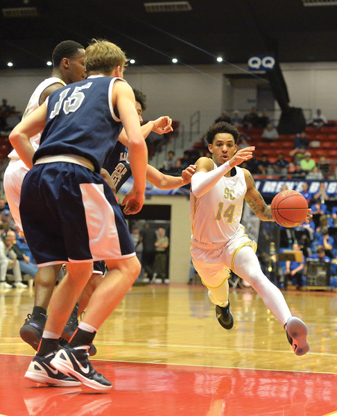 Bud Denega | The Sheridan Press<br /> Sheridan College's Elijah Blake drives during the Generals' game against Kaskaskia College at the NJCAA tournament Monday, March 18, 2019.