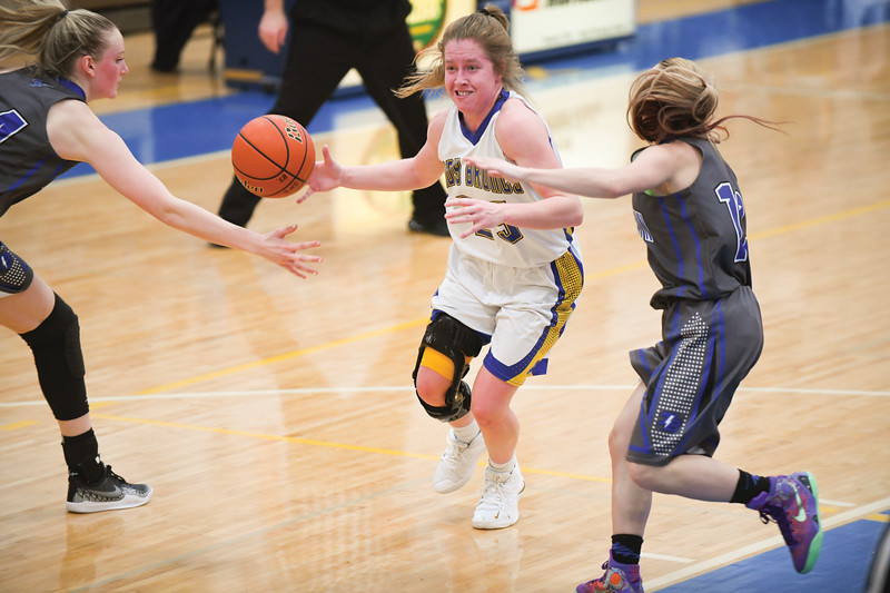 Matthew Gaston | The Sheridan Press<br>Sheridan's Mikayla Johnson (25) drives inside for a shot against Thunder Basin Saturday, Feb. 16, 2019. The Lady Broncs lost 69-26.