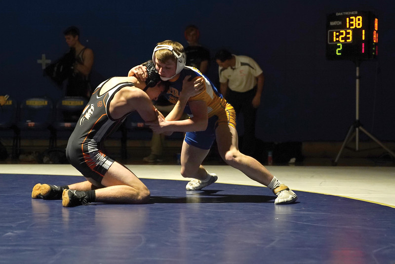 Matthew Gaston | The Sheridan Press<br>Sheridan's Hunter Goodwin stuffs the take takedown attempt from Worland's Aaron Carver during the dual Thursday, Dec. 12, 2019.