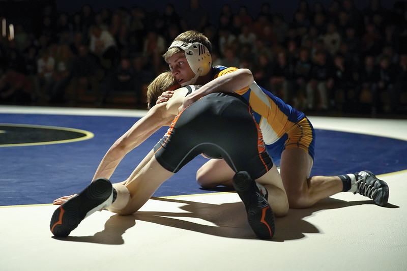 Matthew Gaston | The Sheridan Press<br>Sheridan's Rudy Osborne struggles to move into a dominat postion over his opponet during the dual with Worland Thursday, Dec. 12, 2019.