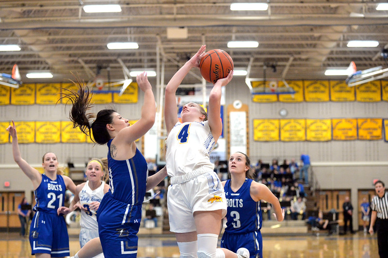 Joel Moline | The Sheridan Press<br /> Sheridan's Annie Mitzel (4) attempts a layup against Thunder Basin High School Friday, Jan. 24, 2020.
