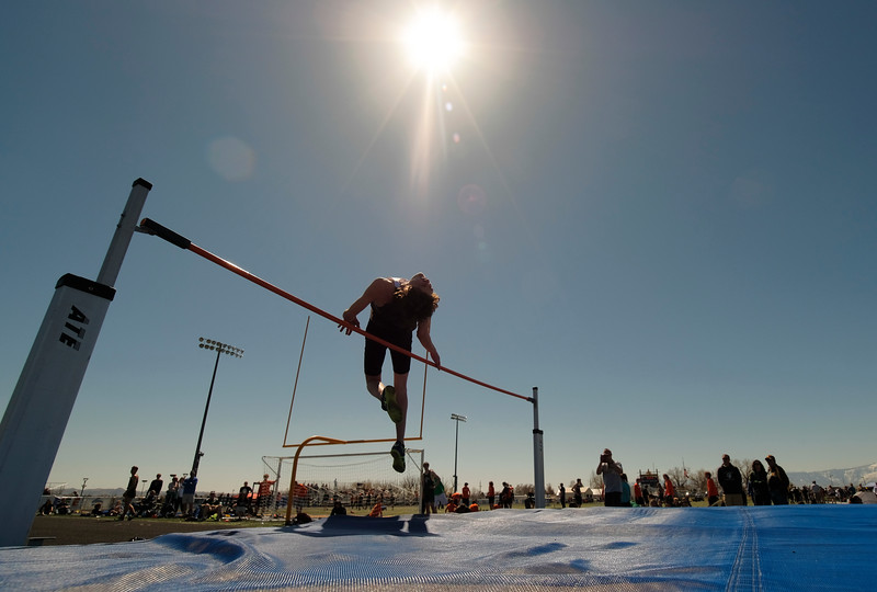 Justin Sheely | The Sheridan Press<br /> A high jumper competes during the Dan Hansen invite Sheridan High School Saturday, April 21, 2018.