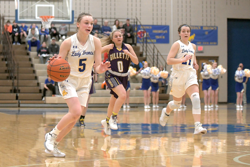 Joel Moline | The Sheridan Press<br /> Sheridan's Bree Aksamit (5) drives to the hood against Campbell County High School Friday, Feb. 21, 2020.