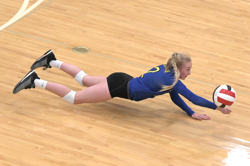Matthew Gaston | The Sheridan Press<br>Sheridan's libero Brooklynn Bowie (2) dives to make the save during a match with Cheyenne East Saturday, Oct. 5, 2019.