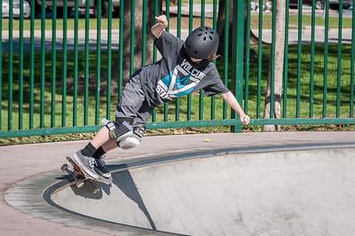 Skateboarding-5050