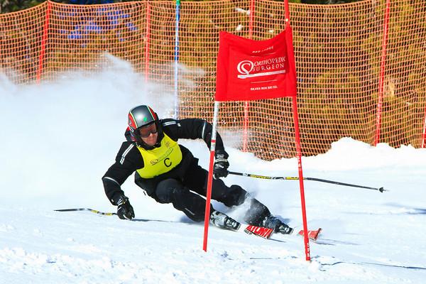 Giant Slalom Ski Race (01-21-11)