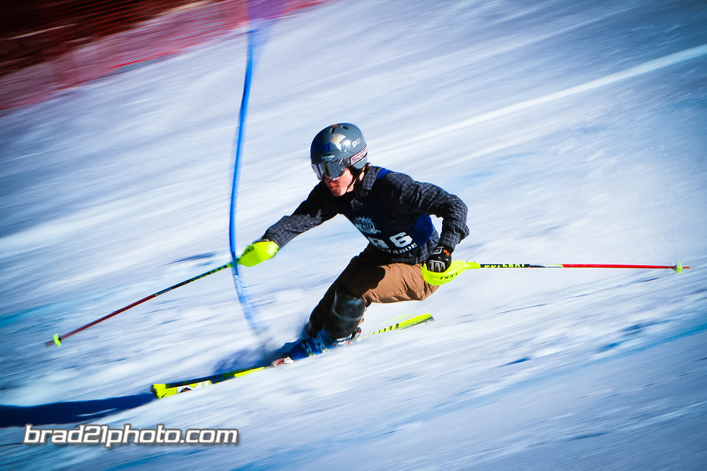 IMAGE: http://www.brad21photo.com/Sports/Ski-Racing/High-School-2014/i-bKhfMBf/1/XL/20140224-IMG_1149-XL.jpg