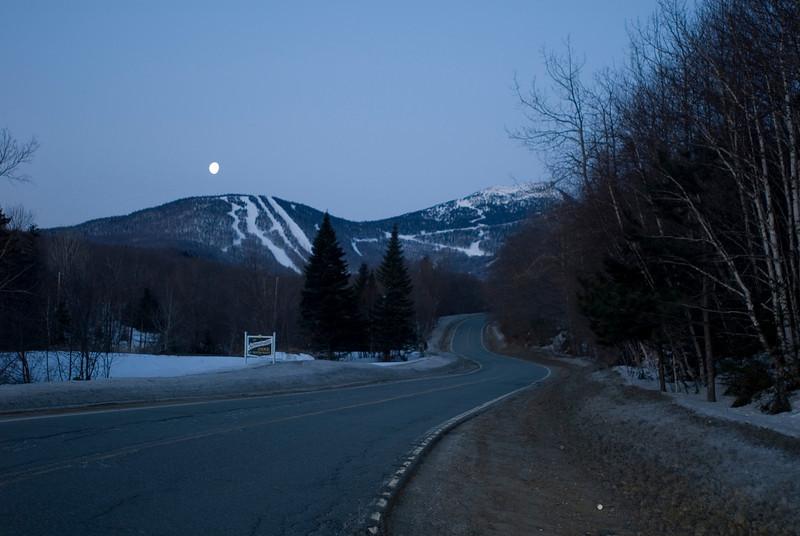 20090314_dtepper_jay_peak_moonset+sunrise_DSC_0036